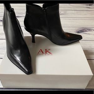Anne Klein Mahoneypie Black Leather Ankle Boots